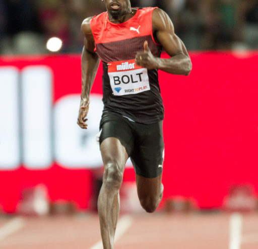 Usain Bolt wins the mens 200m final